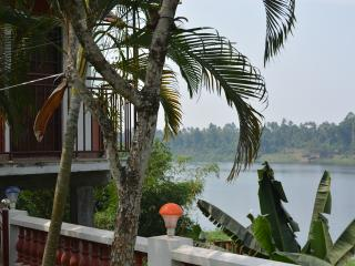 Periyar Homestay, RiverView AC Room, Kochi Airport - Nedumbassery vacation rentals