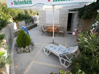 Perfect 4 bedroom House in Cove Tri Zala (Zrnovo) with Refrigerator - Cove Tri Zala (Zrnovo) vacation rentals