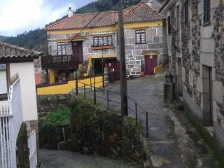 Casa Rústica no Douro Vinhateiro - Lamego vacation rentals