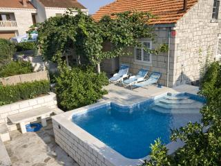 Perfect House with Stove and Linens Provided - Cove Tri Zala (Zrnovo) vacation rentals