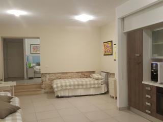 Sweet Home - Appartamento vacanze, B&B - Ascoli Piceno vacation rentals