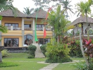 Nice Villa with Television and Balcony - Kenderan vacation rentals