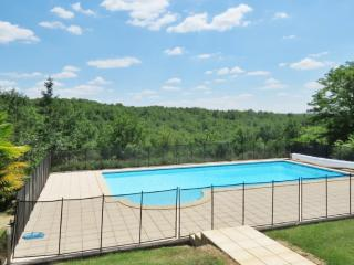 Traditional house with swimming pool - Brouchaud vacation rentals
