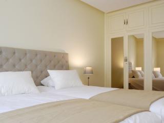 TRUEBA::Central, close to Surfing beach & pintxos! - San Sebastian - Donostia vacation rentals