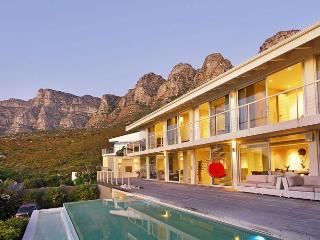 Magestic 3 bed villa on the hills of Camps Bay - Camps Bay vacation rentals