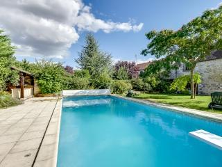 Gorgeous house with a swimming pool - Soisy-sur-Ecole vacation rentals