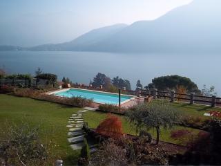 LUXURY VILLA WITH POOL Rif. 385 - Griante vacation rentals