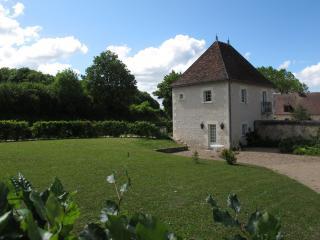 Elégance et silence - gîte pour 4/5 personnes - Yzeures-sur-Creuse vacation rentals