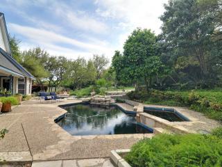 Texas Barn House, 2 Bdrm on Estate in Med Center - San Antonio vacation rentals