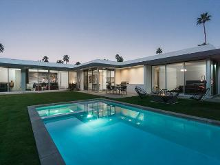 Newly Constructed Modern Retreat with Pool & Hot Tub, Just South of Downtown - Palm Springs vacation rentals