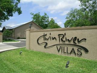 "Family lodging near Schlitterbahn, Downtown, and the  Rock"" - New Braunfels vacation rentals"