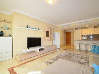 El Paraiso Spacious one bedroom apartment - Benamara vacation rentals