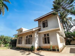 Comfortable Private room with Housekeeping Included and Television - Dar es Salaam vacation rentals