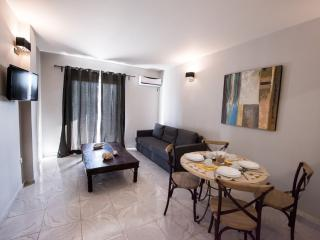 2 bedroom Apartment with Internet Access in Kariotes - Kariotes vacation rentals