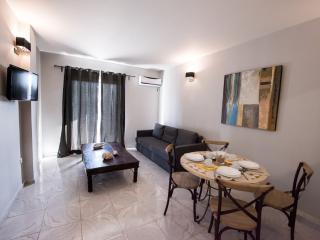 REGALO 2-BED FLAT IN KARIOTES/ FLAT 6 - Kariotes vacation rentals