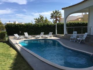 Spacious 4 bedroom Villa in Vilamoura with Deck - Vilamoura vacation rentals