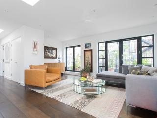 One Fine Stay - Hatton Place apartment - London vacation rentals