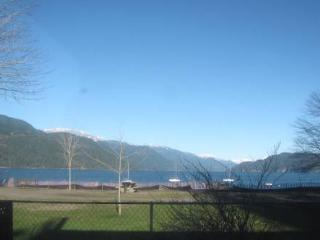 Lakeside Big Home HARRISON HOT SPRINGS - Harrison Hot Springs vacation rentals