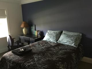 Comfortable 1 bedroom Coconut Grove House with Internet Access - Coconut Grove vacation rentals