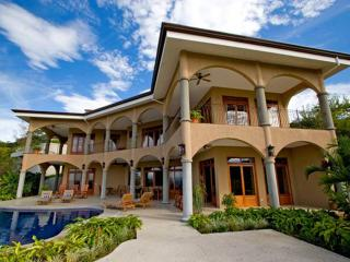 Villa De La Luna- 5bed 5 bath All Inclusive Villa- EMAIL ABOUT SEASONAL SPECIALS - Playa Ocotal vacation rentals