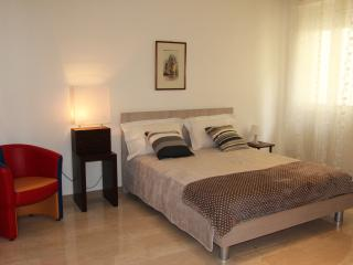 Charming Apartment in Sannicandro di Bari with A/C, sleeps 4 - Sannicandro di Bari vacation rentals