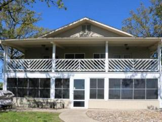 A Better Place To Be - Two Story Home in Family Oriented Neighborhood. Great Water Views! 8MM Osage Arm - Gravois Mills vacation rentals