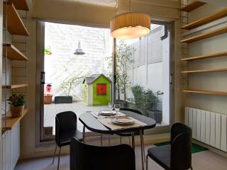 Nice flat with terrace in Gràcia - Barcelona vacation rentals