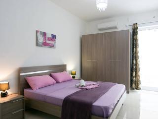 malta,gzira,sliema,modern,yard,new,beach,bay - Il Gzira vacation rentals