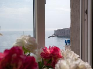Luxury Ground Floor Oceanfront near Old Dubrovnik - Dubrovnik vacation rentals
