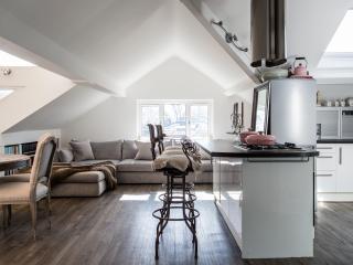 onefinestay - Netherhall Gardens III apartment - London vacation rentals
