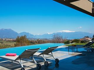 Spacious 5 bedroom Vacation Rental in Province of Brescia - Province of Brescia vacation rentals
