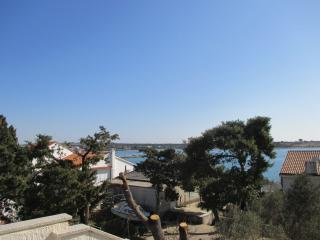 Apartment Mimi 11 - (4+1) - with air condition and large terrace - East Region vacation rentals