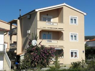 Spacious two bedroom apartment Jasko 2 - Rab vacation rentals