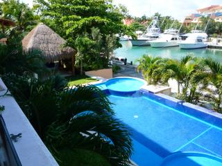 Puerto Aventuras charming community in Rivera Maya - Puerto Aventuras vacation rentals