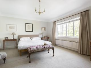 onefinestay - Priory Lane apartment - London vacation rentals