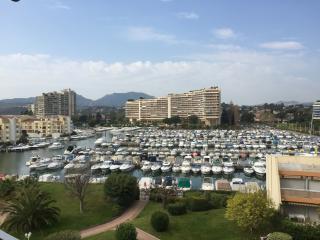 SUPERBE APPARTEMENT VUE MARINA - Mandelieu La Napoule vacation rentals