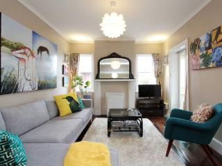 Hobart Art House Boutique Cottage- Central veiws - Hobart vacation rentals