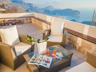 Villa Andjelika - Three Bedroom Apartment with Pool and Sea View - Petrovac vacation rentals