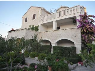 Apartments Gita - Two Bedroom Apartment With Terrace and Garden View - Soline vacation rentals