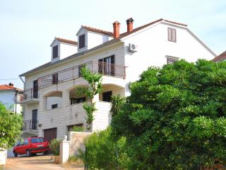 Apartments Omo 1 - A4-Two Bedroom Apartment With Terrace Garden View - Soline vacation rentals