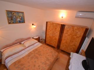 TH01517 Apartments Gorana / One Bedroom A2 - Splitska vacation rentals