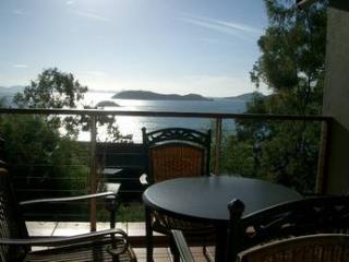 ***COMPASS POINT 2*** - Hamilton Island vacation rentals