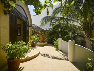 Beautiful 6 bedroom Villa in Riviera Maya - Riviera Maya vacation rentals
