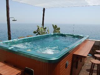 Comfortable 8 bedroom Amalfi Villa with Deck - Amalfi vacation rentals