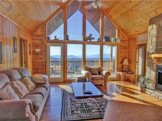 Cozy 2 bedroom Cabin in Pigeon Forge - Pigeon Forge vacation rentals
