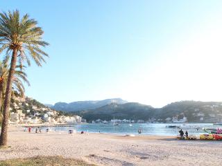 Acogedora casa a 1 minuto de la playa - Port de Soller vacation rentals