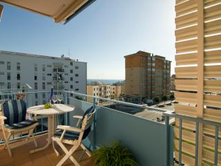LAS COSTAS 15 minutes from the beach, with parking - Sitges vacation rentals
