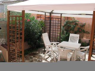 Casa Vacanza vista mare Lu Fraili - San Teodoro vacation rentals
