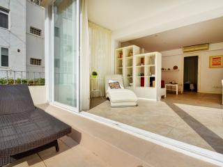 Beautiful Condo with Internet Access and A/C - San Agustin vacation rentals