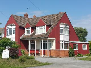 9 bedroom House with Television in Berrow - Berrow vacation rentals
